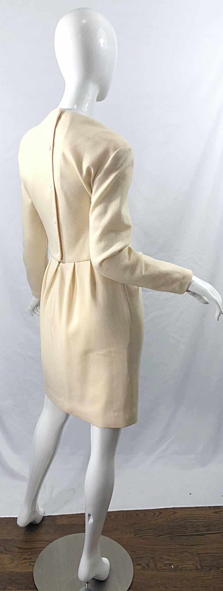 Vintage Geoffrey Beene for Bergdorf Goodman Size 10 Ivory Off White Wool Dress For Sale 6