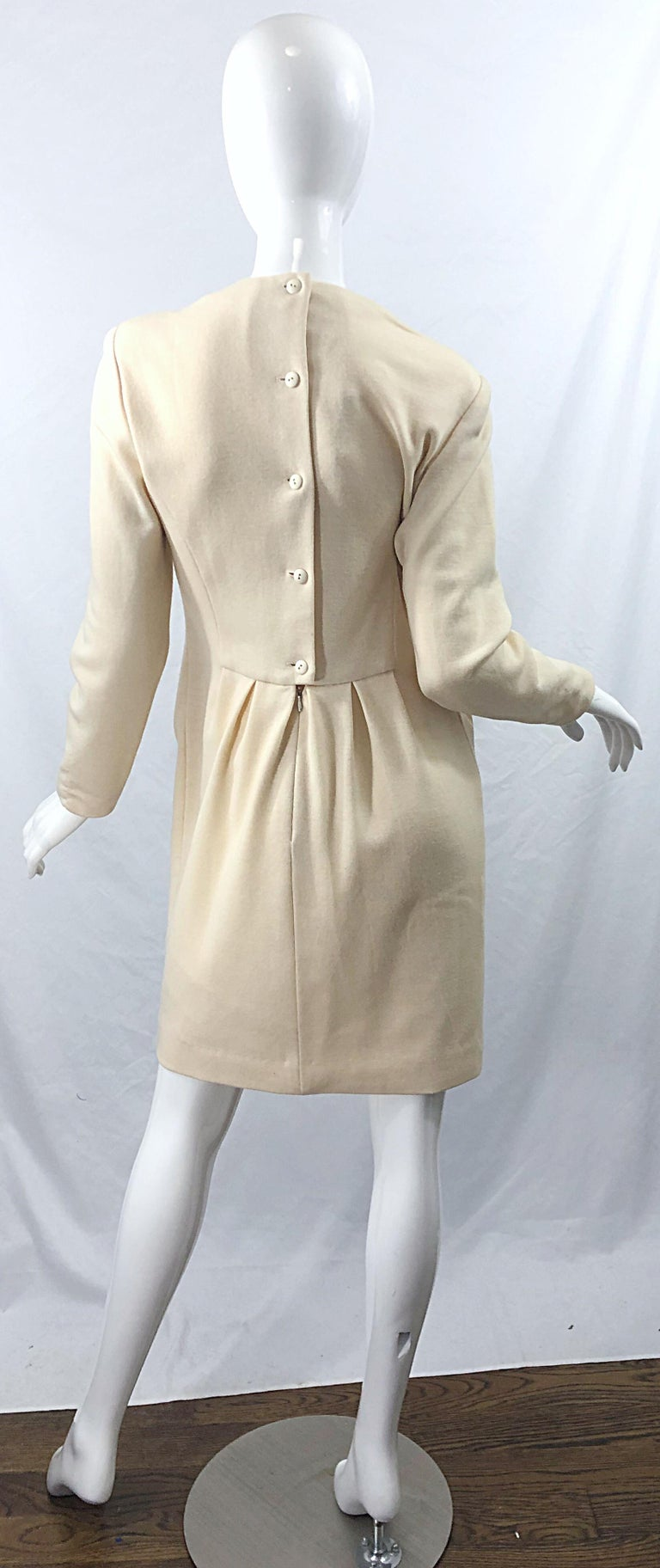 Vintage Geoffrey Beene for Bergdorf Goodman Size 10 Ivory Off White Wool Dress For Sale 2
