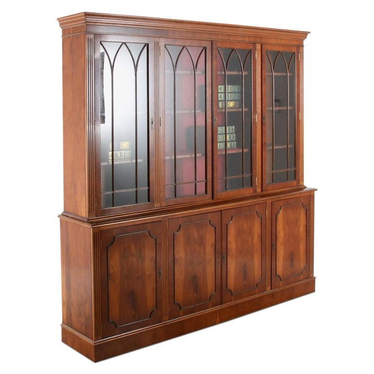 Vintage Georgian-Style Eight-Door Bookcase In Good Condition For Sale In Vancouver, British Columbia