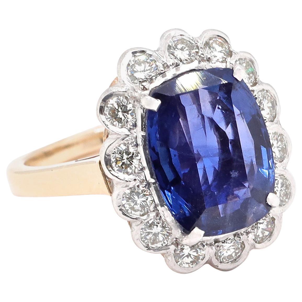 Vintage GIA 4.50 Carat Burma No Heat Sapphire 14 Karat Gold Ring