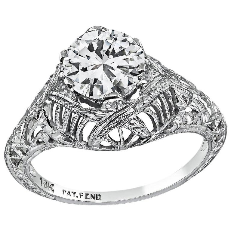 Vintage GIA Certified 1.07 Carat Diamond Engagement Ring For Sale