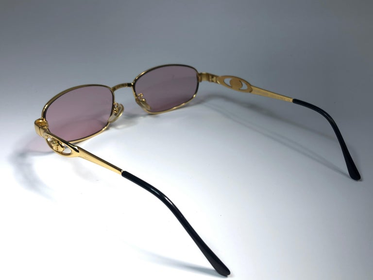 Vintage Gianni Versace Mod S80 Oval Small Sunglasses 1990's Made in Italy For Sale 1