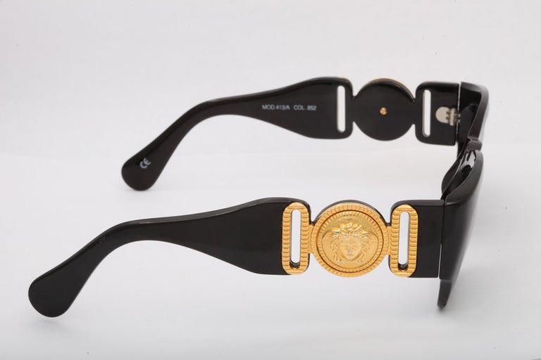 Vintage Gianni Versace Sunglasses Mod 413/A For Sale 2