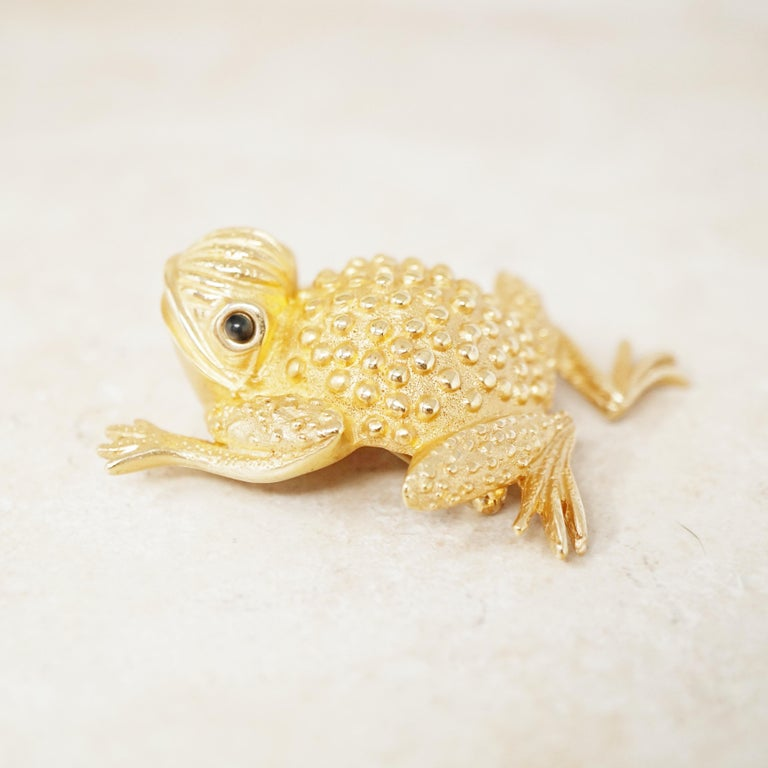 Vintage Gilded Frog Figural Brooch by Erwin Pearl, 1990s For Sale 6