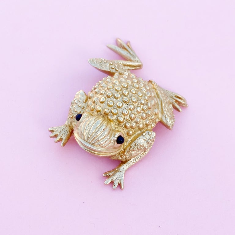 Vintage Gilded Frog Figural Brooch by Erwin Pearl, 1990s In Excellent Condition For Sale In Los Angeles, CA
