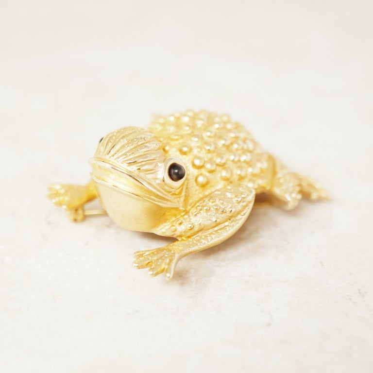 Vintage Gilded Frog Figural Brooch by Erwin Pearl, 1990s For Sale 1