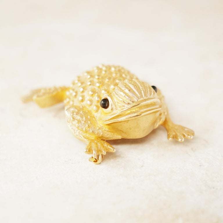 Vintage Gilded Frog Figural Brooch by Erwin Pearl, 1990s For Sale 2