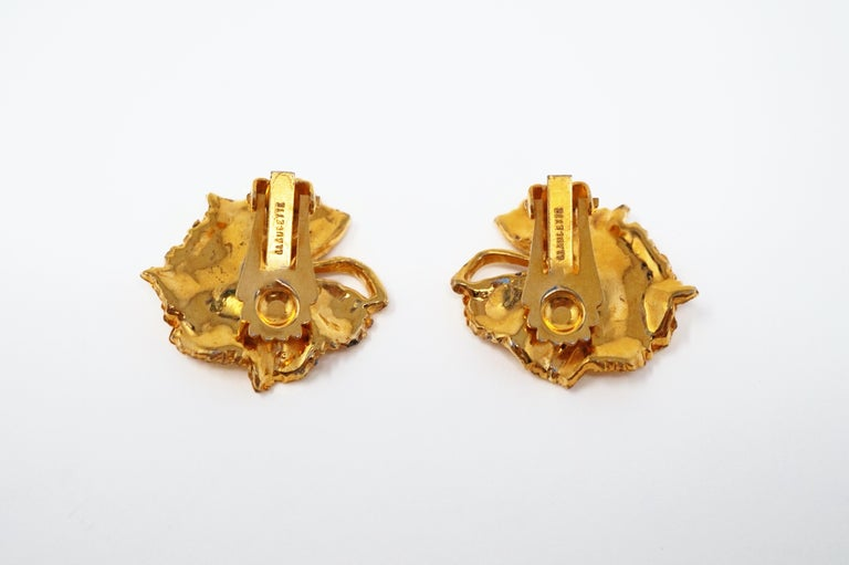 Women's Vintage Gilded Leaf Earrings with Crystal Accents by Claudette, circa 1950s For Sale