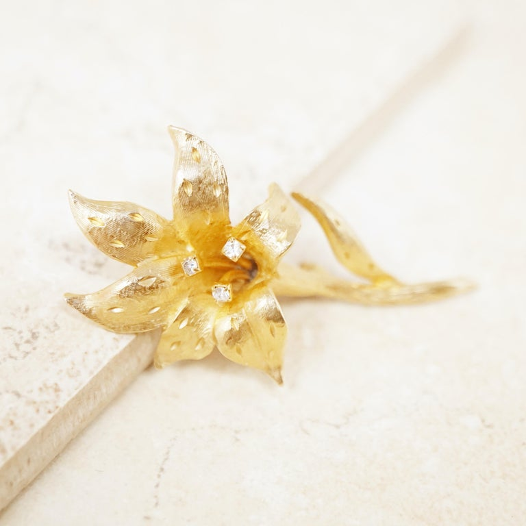 Vintage Gilded Lily Flower Figural Brooch with Crystals by Erwin Pearl, 1990s For Sale 1