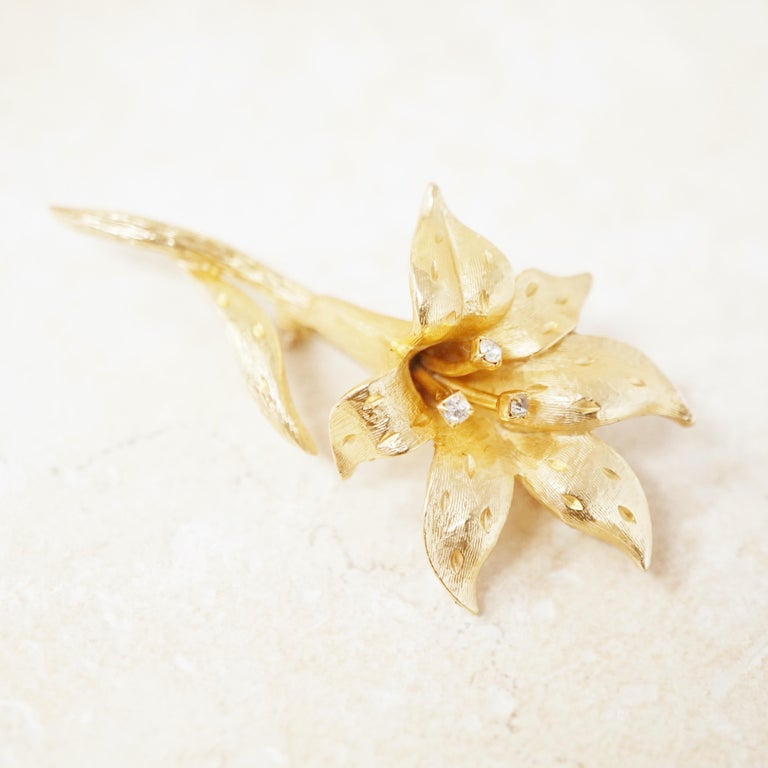 Vintage Gilded Lily Flower Figural Brooch with Crystals by Erwin Pearl, 1990s For Sale 2