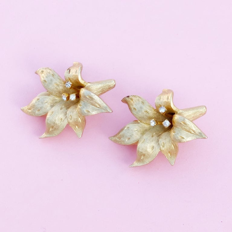 Vintage Gilded Lily Flower Figural Earrings With Crystals by Erwin Pearl, 1990s For Sale 10