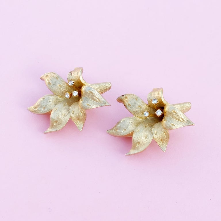 Vintage Gilded Lily Flower Figural Earrings With Crystals by Erwin Pearl, 1990s For Sale 11