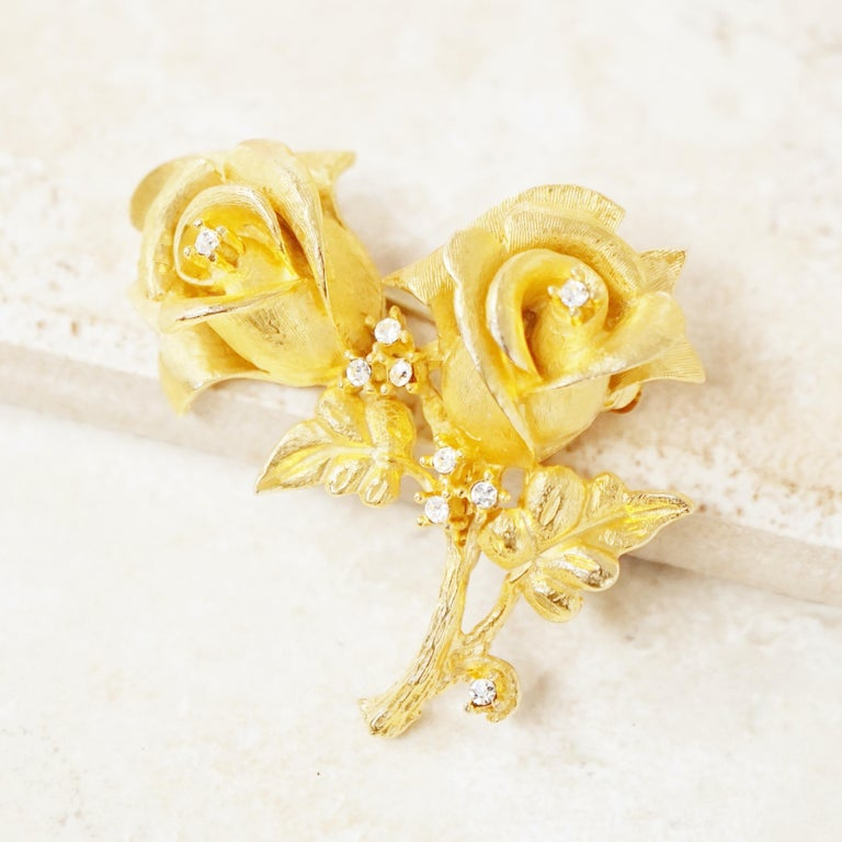 Vintage Gilded Rose Duo Brooch with Crystal Rhinestones by Erwin Pearl, 1990s In Excellent Condition In Los Angeles, CA