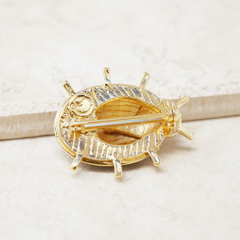 Vintage Gilt & Enamel Ladybug Brooch by St. John, 1980s In Excellent Condition For Sale In Los Angeles, CA