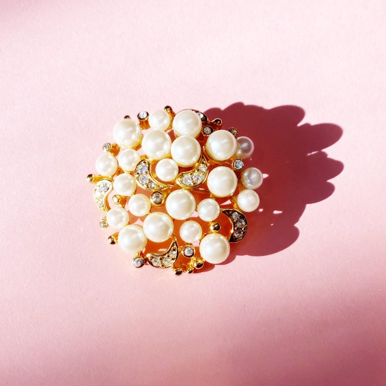 Vintage Gilt Pearl Cluster Brooch with Crystal Rhinestones by Erwin Pearl, 1980s For Sale 2