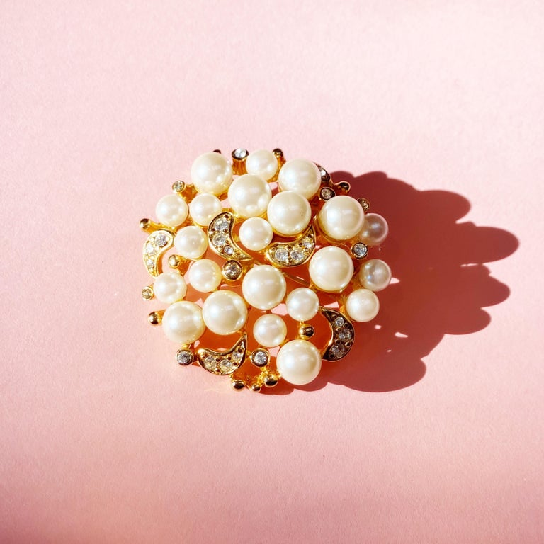 Vintage Gilt Pearl Cluster Brooch with Crystal Rhinestones by Erwin Pearl, 1980s For Sale 3