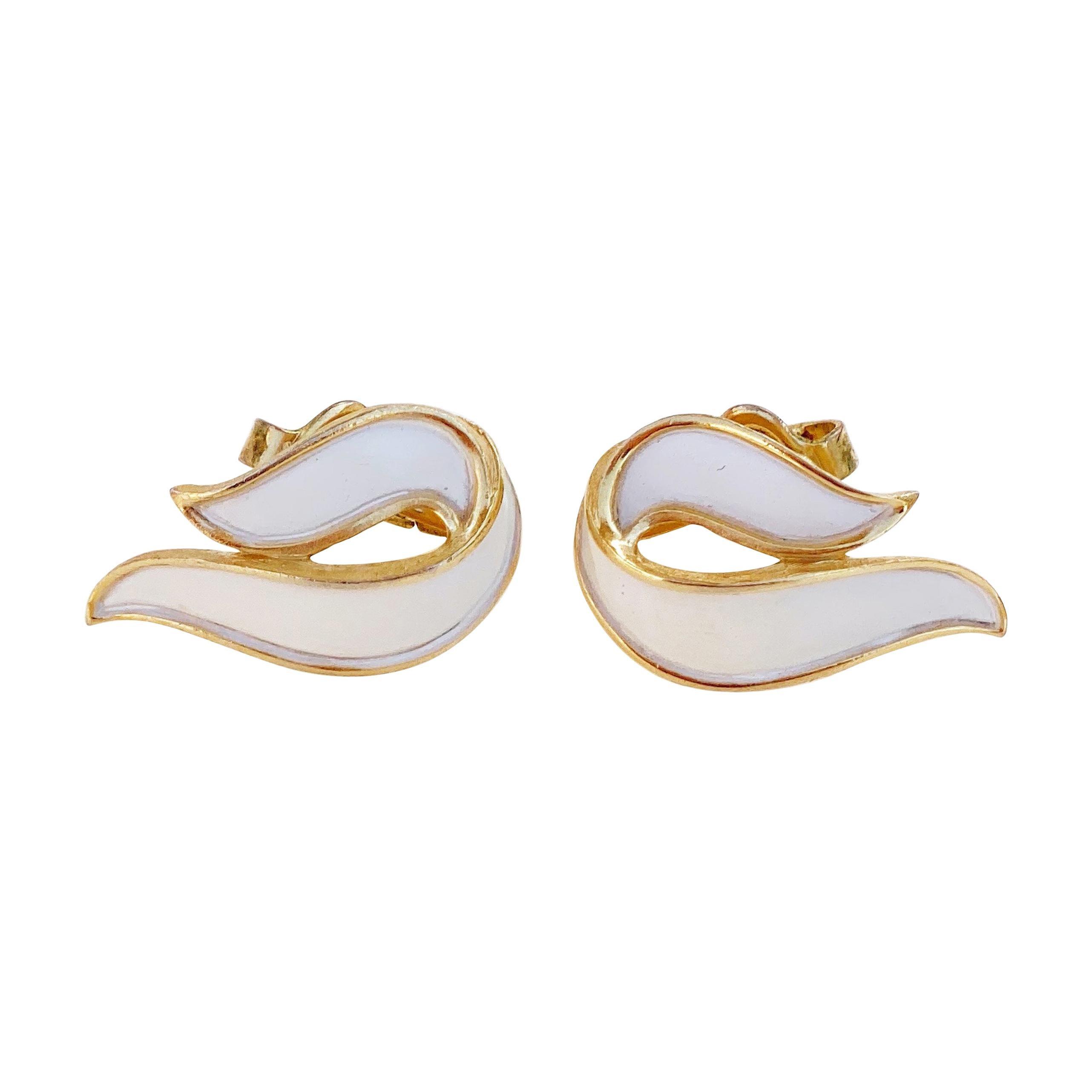 Vintage 1960s 60s Trifari Earrings Clip On Earrings Silver Tone Big Button Earrings Vintage Trifari Wave Design 60s Jewelry 60s Earrings