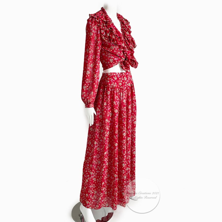 Authentic, preowned, vintage Giorgio Sant Angelo Ruffled Blouse & Wide-Leg Palazzo Pant Suit, 2pc, vintage size 8.  No content label; feels synthetic/dry-clean recommended. Bright floral chiffon/unlined.  Blouse features button & loops and can be