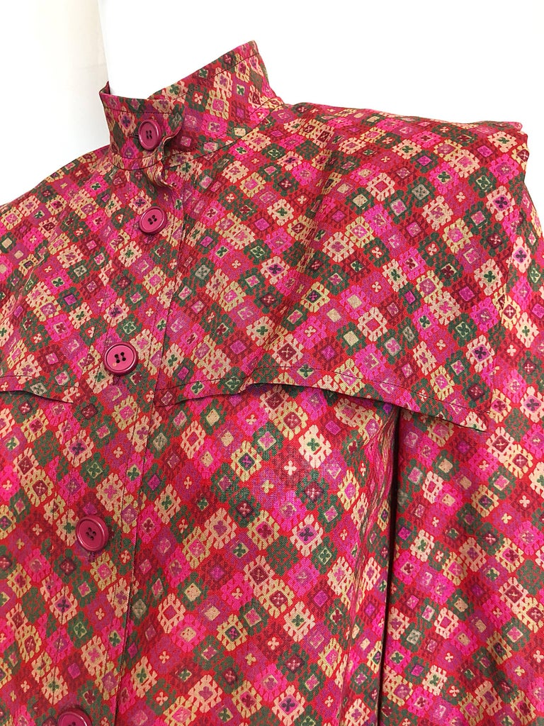Vintage Givenchy 1980s Mosaic Tile Print Pink + Green Lightweight Wool Sac Dress In Excellent Condition For Sale In Chicago, IL
