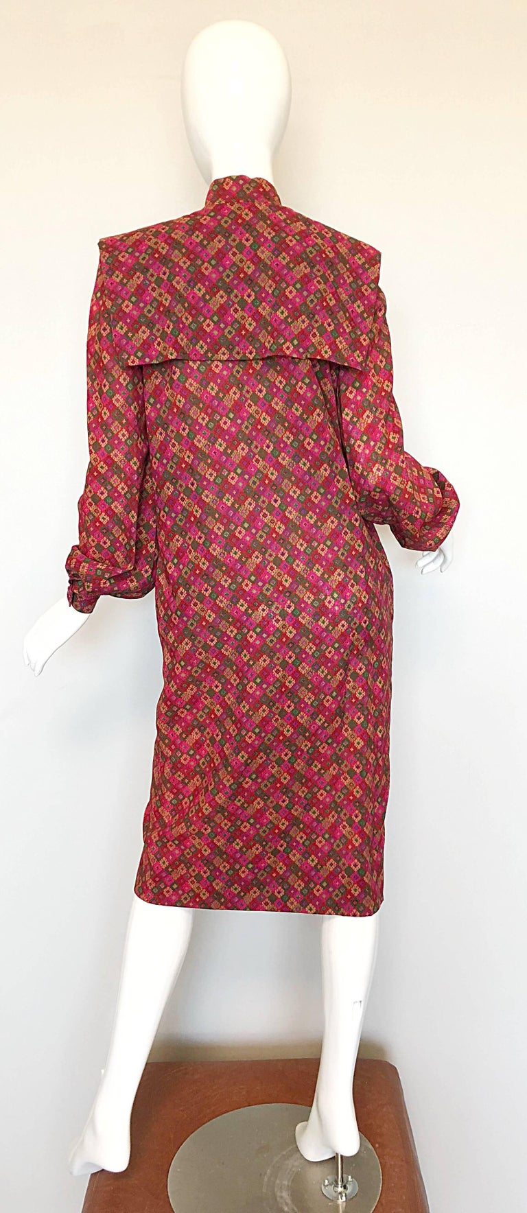 Women's Vintage Givenchy 1980s Mosaic Tile Print Pink + Green Lightweight Wool Sac Dress For Sale