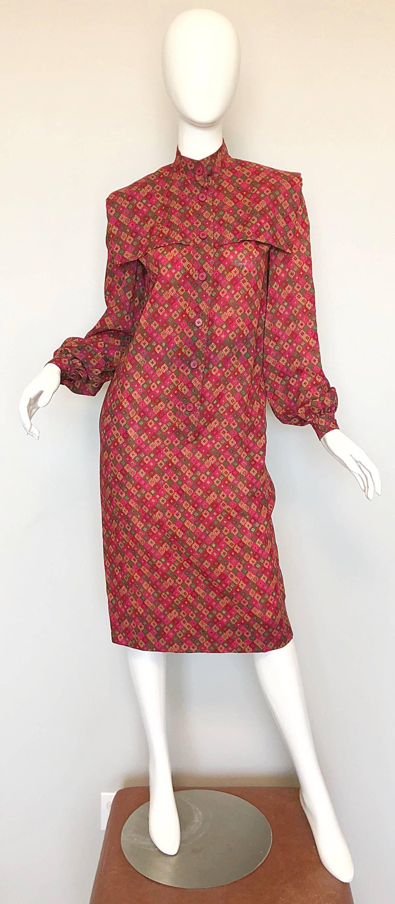 Vintage Givenchy 1980s Mosaic Tile Print Pink + Green Lightweight Wool Sac Dress For Sale 2