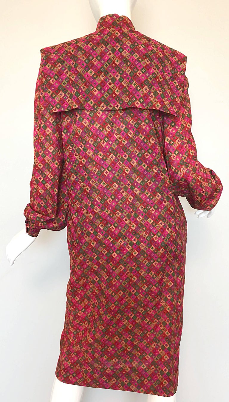 Vintage Givenchy 1980s Mosaic Tile Print Pink + Green Lightweight Wool Sac Dress For Sale 3