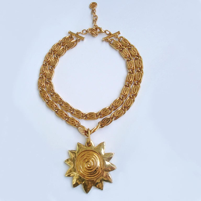 Vintage Givenchy Necklace with Sun Motif Pendant, 1980s In Excellent Condition For Sale In Bochum, NRW