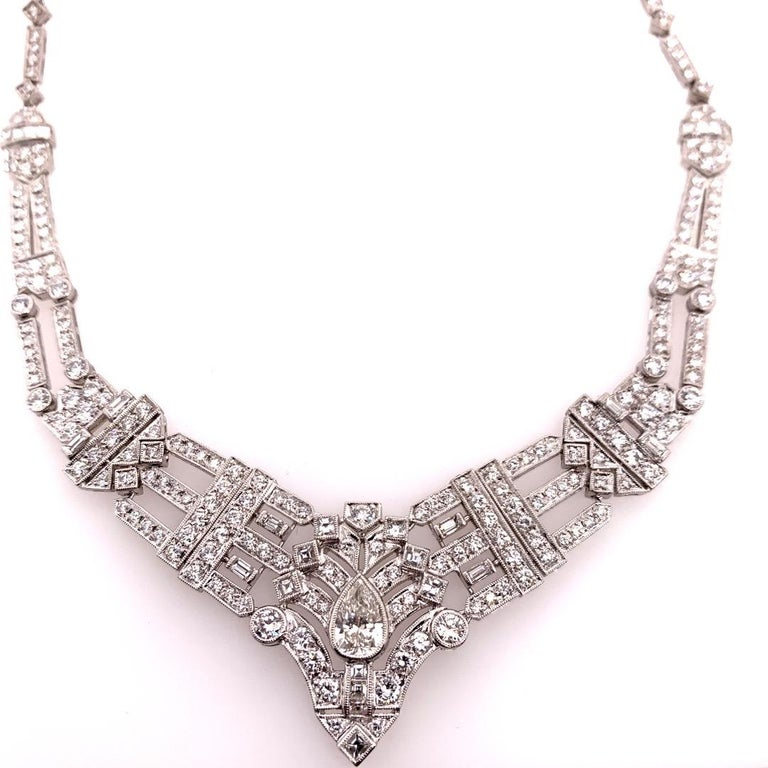 Art Deco Vintage Gold 8 Carat Natural Round and Pear Diamond Gem Stone Necklace For Sale