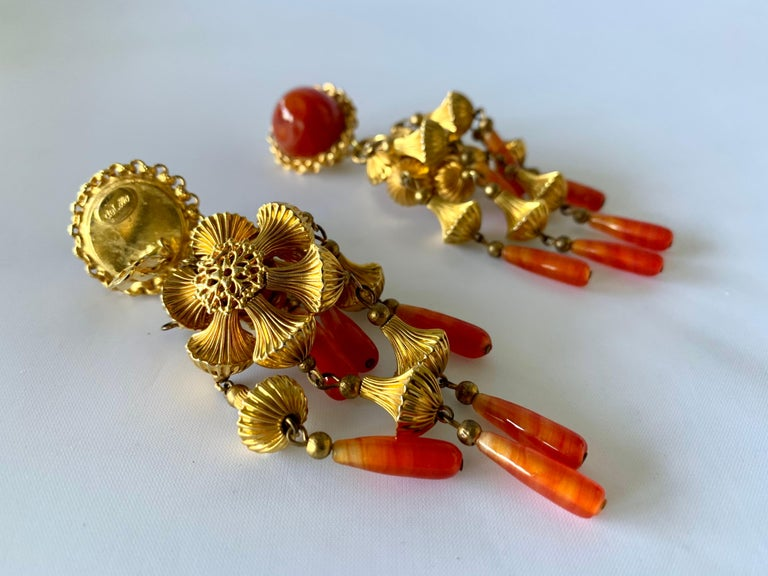 Vintage Gold and Carnelian Dangle Earrings  In Excellent Condition For Sale In Palm Springs, CA
