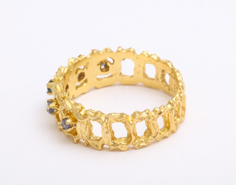 Vintage Gold and Sapphire Band Ring For Sale 1