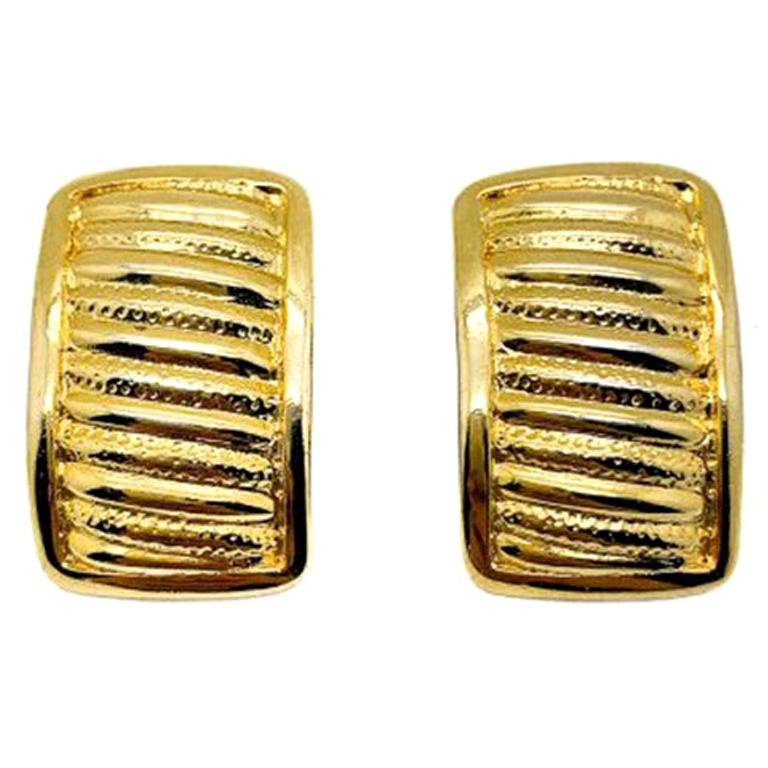 Vintage Gold Ribbed Clip Earrings 1990S For Sale