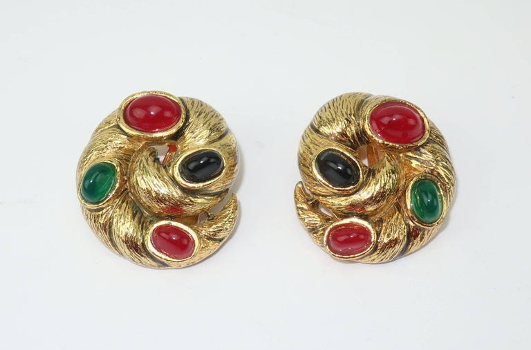 Vintage Gold Tone Cabochon Clip On Earrings For Sale 3