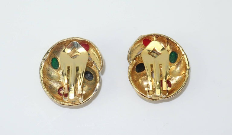 Vintage Gold Tone Cabochon Clip On Earrings For Sale 4