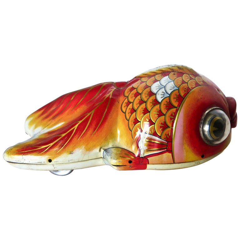 "Vintage ""Googly Eyed"" Goldfish Japanese Windup Toy, circa 1950s For Sale"