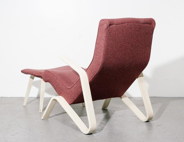 Mid-20th Century Vintage Grasshopper Lounge Chair and Ottoman For Sale