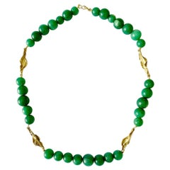 Vintage Green Aventurine 18 Karats Yellow Gold Necklace