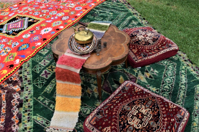 20124 vintage green Beni Mguild rug, Berber Moroccan rug with Tribal style. Extraordinarily exceptional, the green abrash provides the perfect backdrop for the tribal style and adds a hint of modern energy. This vintage Beni M'Guild Moroccan rug is