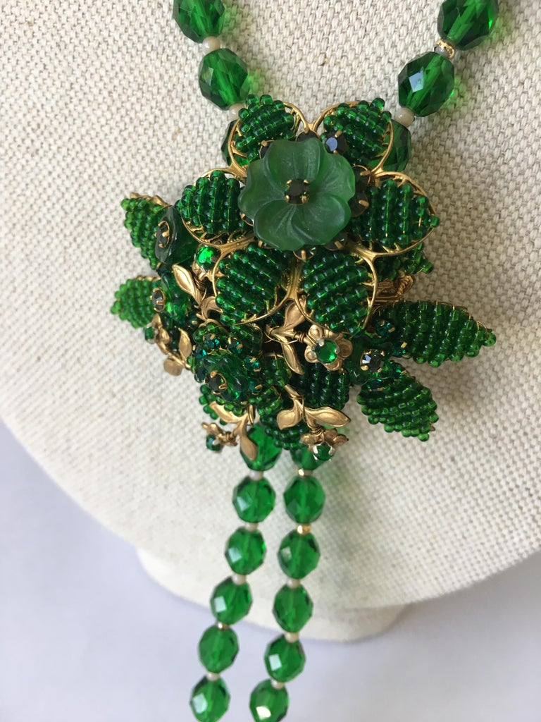 20th Century Vintage Green Crystal Necklace with Pin Attributed to Hagler For Sale