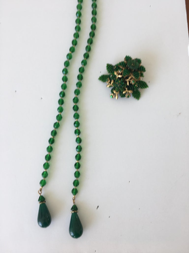 Vintage Green Crystal Necklace with Pin Attributed to Hagler For Sale 3