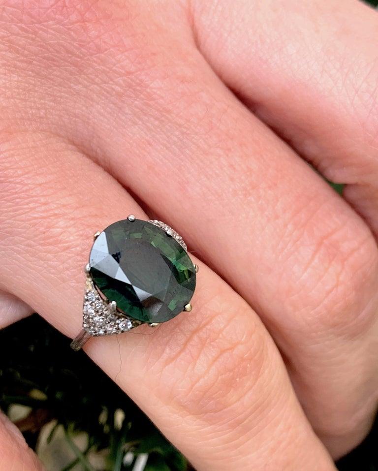 Vintage Green Sapphire Diamond Platinum Ring For Sale 3