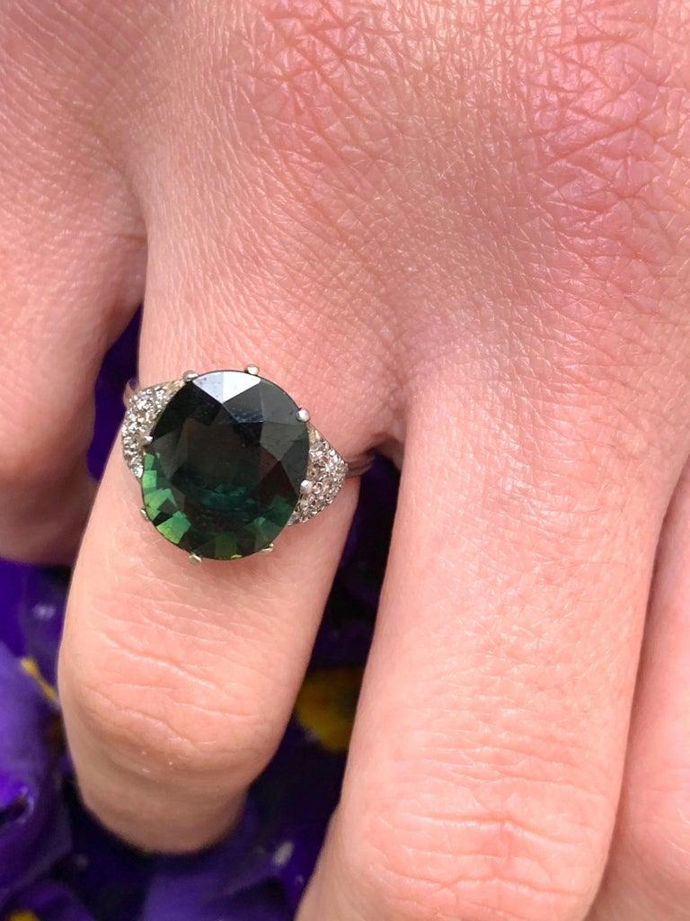 Vintage Green Sapphire Diamond Platinum Ring For Sale 4