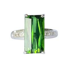 Vintage Green Tourmaline and White Topaz 9 Carat White Gold Ring