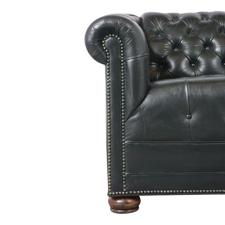 Vintage Green Tufted Chesterfield Leather Sofa In Good Condition In Los Angeles, CA