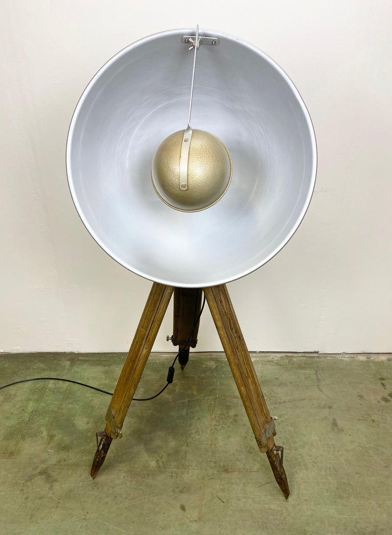 Vintage Grey Industrial Lamp on Wooden Tripod, 1960s For Sale 7