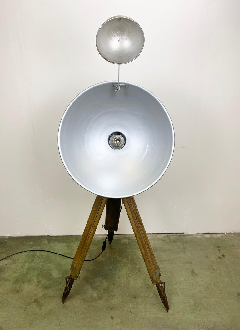 Vintage Grey Industrial Lamp on Wooden Tripod, 1960s For Sale 8