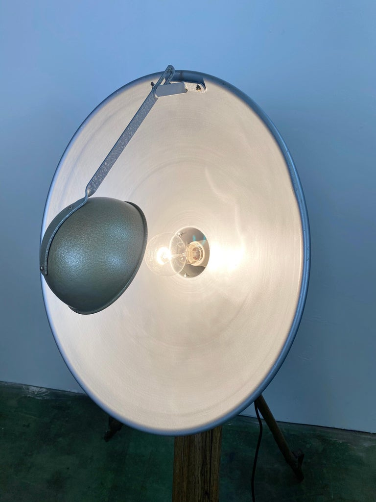 Vintage Grey Industrial Lamp on Wooden Tripod, 1960s For Sale 11