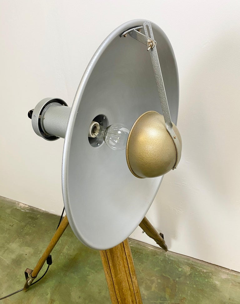 Mid-20th Century Vintage Grey Industrial Lamp on Wooden Tripod, 1960s For Sale