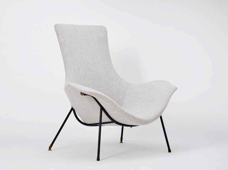 Grey Italian Mid-Century Modern lounge chair by Augusto Bozzi for Saporiti In Good Condition For Sale In Berlin, DE