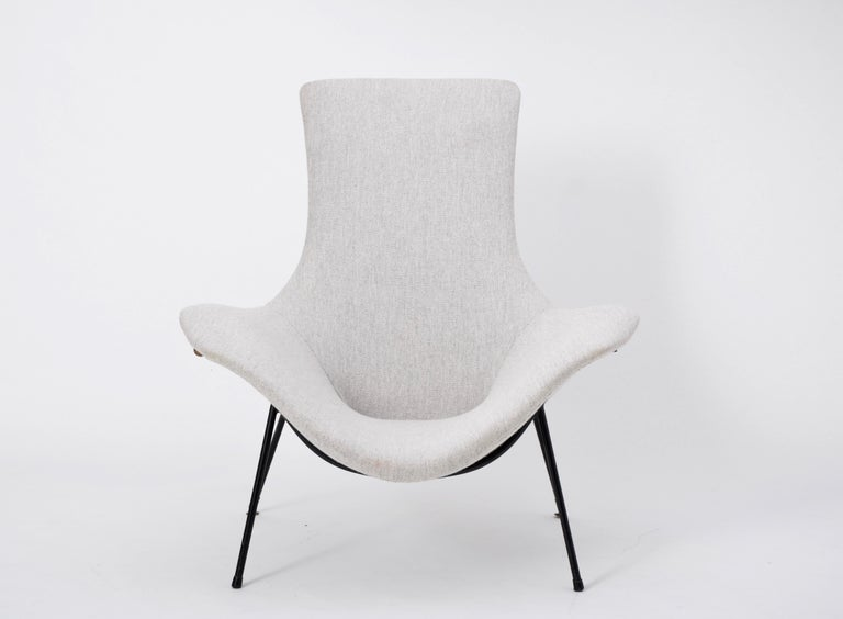 20th Century Grey Italian Mid-Century Modern lounge chair by Augusto Bozzi for Saporiti For Sale
