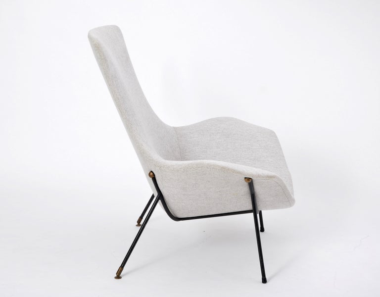 Grey Italian Mid-Century Modern lounge chair by Augusto Bozzi for Saporiti For Sale 1